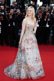 CANNES, FRANCE - MAY 23: Elle Fanning attends the 70th Anniversary of the 70th annual Cannes Film Festival at Palais des Festivals on May 23, 2017 in Cannes, France. (Photo by Kristina Nikishina/Epsilon/Getty Images)