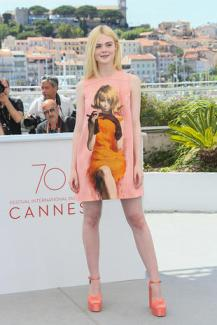 "CANNES, FRANCE - MAY 21: Elle Fanning attends the ""How To Talk To Girls At Parties"" Photocall during the 70th annual Cannes Film Festival at Palais des Festivals on May 21, 2017 in Cannes, France. (Photo by Tony Barson/FilmMagic)"
