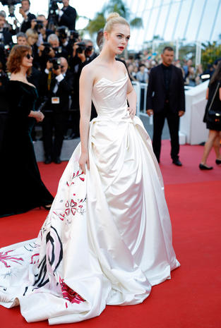 "CANNES, FRANCE - MAY 17: Actress Elle Fanning attends the ""Ismael's Ghosts (Les Fantomes d'Ismael)"" screening and Opening Gala during the 70th annual Cannes Film Festival at Palais des Festivals on May 17, 2017 in Cannes, France. (Photo by Andreas Rentz/Getty Images)"