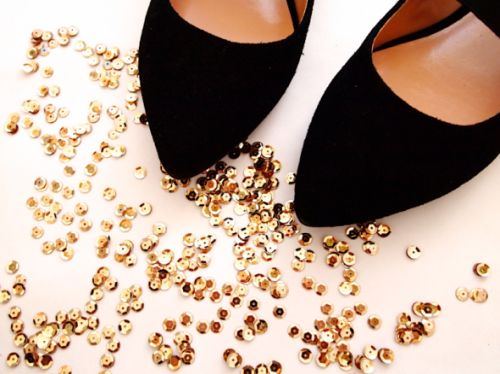 glitter-n-glue-sole-socielty-sequin-cap-toe-diy-materials