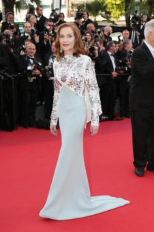 CANNES, FRANCE - MAY 23: Isabelle Huppert attends the 70th Anniversary of the 70th annual Cannes Film Festival at Palais des Festivals on May 23, 2017 in Cannes, France. (Photo by Gisela Schober/Getty Images)