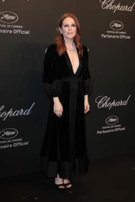 CANNES, FRANCE - MAY 19: Julianne Moore attends the Chopard Party during the 70th annual Cannes Film Festival at on May 19, 2017 in Cannes, France. (Photo by Antonio de Moraes Barros Filho/FilmMagic)