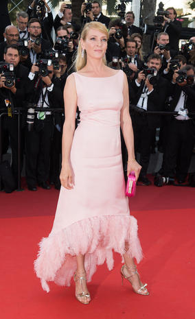 CANNES, FRANCE - MAY 23: Uma Thurman attends the 70th Anniversary screening during the 70th annual Cannes Film Festival at Palais des Festivals on May 23, 2017 in Cannes, France. (Photo by Samir Hussein/WireImage)