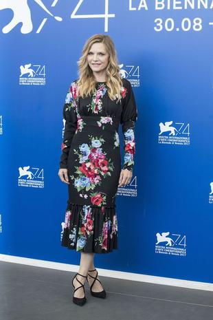 "VENICE, ITALY - SEPTEMBER 05 : Actress Michelle Pfeiffer attends the photo call of ""Mother"" during the 74th Venice International Film Festival at the Palazzo del Casino in Lido of Venice, Italy on September 05, 2017. (Photo by Primo Barol/Anadolu Agency/Getty Images)"